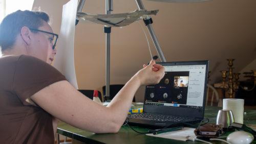 Linda Svanberg, gymnasielärare i bild på Järfälla gymnasium, poddgäst 2020 i Internetstiftelsens podd Internetpodden där hon pratar om att undervisa i bild på distans